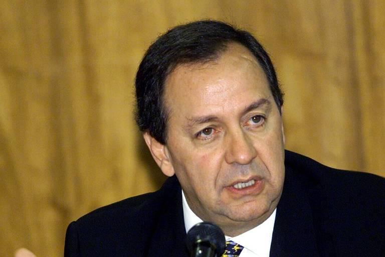 Alvo de ação da PF, economista Roberto Giannetti se afasta de campanha de Doria