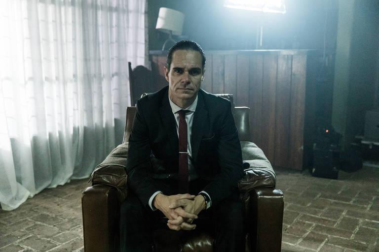 """Tony Dalton como Sr. Ávila na série """"Sr. Ávila,"""" da HBO"""