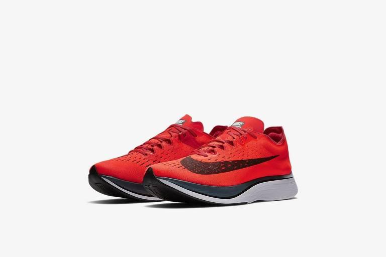 0f70b5578ae6b Tênis de R  1 mil dá vantagem para corredores e acende ...