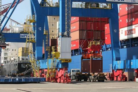 PF cumpre 21 mandados de prisão em operação no porto de Santos