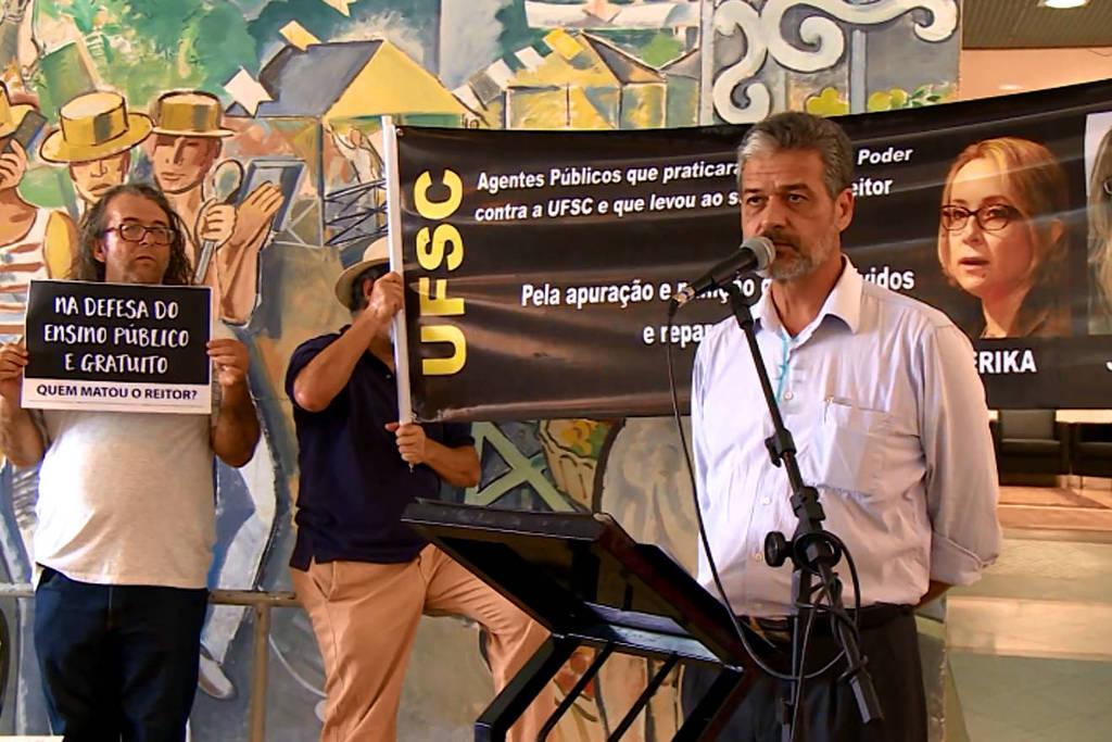 Resultado de imagem para Manifestação contra Érika foi responsável pela Operação Ouvidos Moucos, da PF,  UFSC