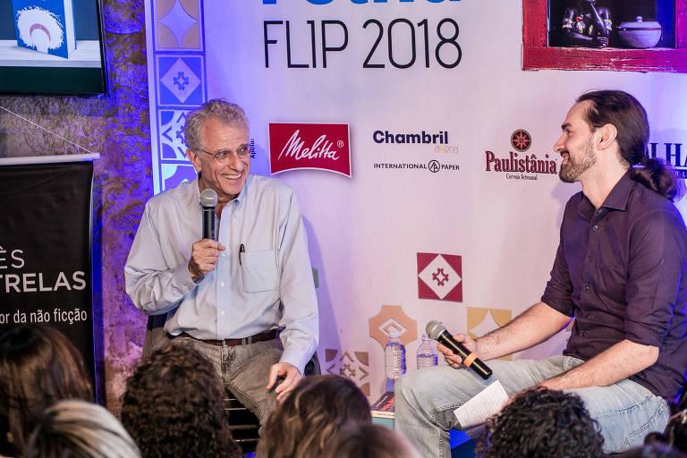 Contadro Calligaris (à esq.) e Uirá Machado (à dir.) na Casa Folha