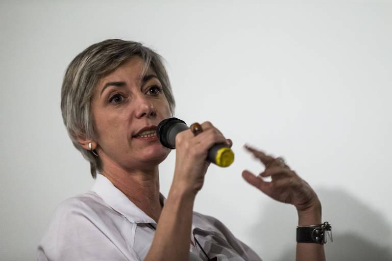A colunista da Folha Vera Iaconelli durante debate em março de 2017