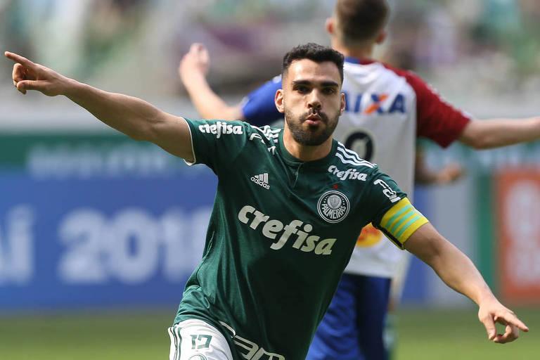 Bruno Henrique comemora gol do Palmeiras
