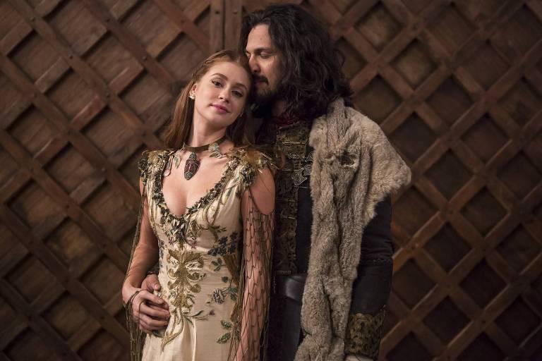 Amália (Marina Ruy Barbosa) e Afonso (Rômulo Estrela) terminam trama juntos