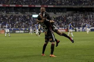 Partida entre Cruzeiro e São Paulo