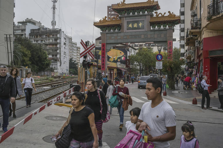 The entrance to a Chinese area in Buenos Aires, Argentina, May 9, 2018. A $50 million satellite and space mission control station built by the Chinese military in Patagonia is one of the most striking symbols of Beijing?s long push to transform Latin America and shape its future for generations to come. (Mauricio Lima/The New York Times)