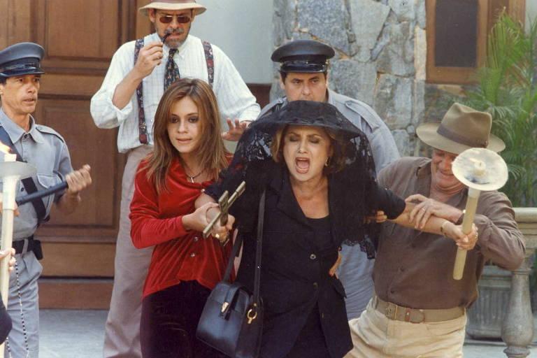 """Maria Altiva (Eva Wilma) aprontava em nome da moral e da família em Greenville, de """"A Indomada"""""""