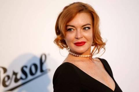 A atriz Lindsay Lohan em evento de gala na França