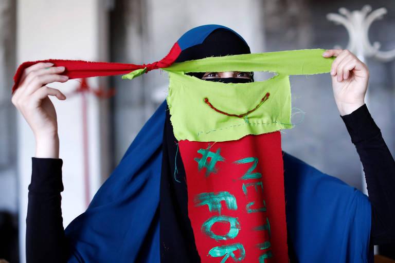 Dinamarquesas desafiam lei que proíbe uso de véus que cobrem o rosto