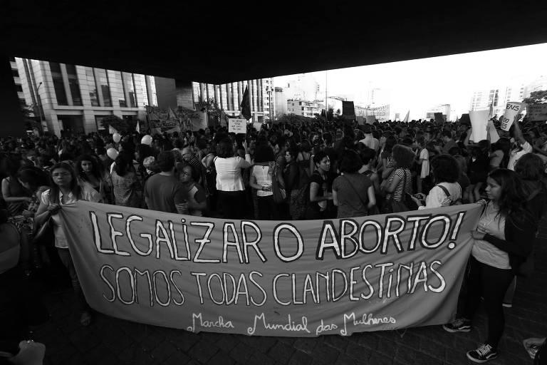 Protesto a favor da legalização do aborto realizado na região central de São Paulo, em novembro de 2017