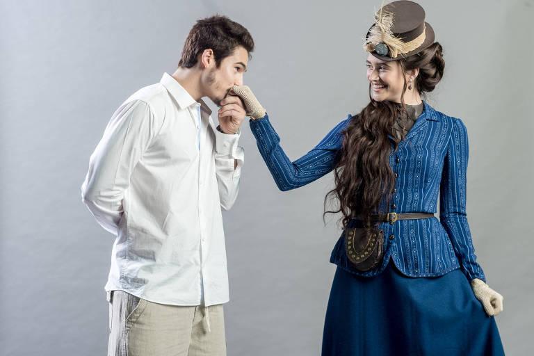 Samuca (Nicolas Prattes) e Marocas (Juliana Paiva) em cena da novela