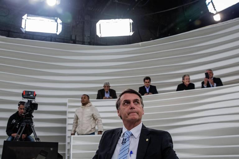O pré-candidato à Presidência, Jair Bolsonaro, no estúdio do programa Roda Vida, na TV Cultura, em São Paulo