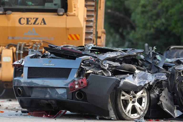 Presidente das Filipinas destrói carros de luxos contrabandeados