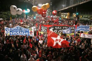 Manifestação a favor de Dilma e o PT
