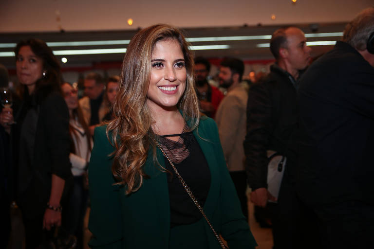 A atriz Camilla Camargo