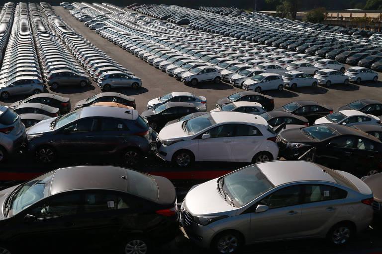 Pátio da montadora Hyundai tomada de veículos no ABC paulista