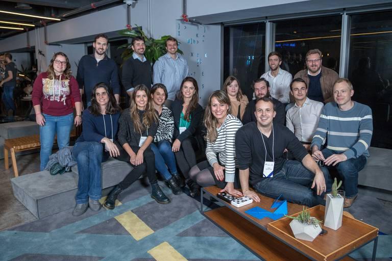Os empreendedores à frente das dez startups sociais selecionadas para aceleração da Artemisia com o Facebook