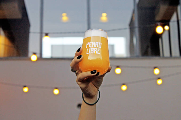 Cervejaria gaúcha Perro Libre inaugura casa em Pinheiros