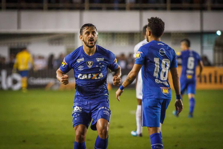 Cruzeiro vence o Santos na Vila em noite de VAR coadjuvante - 01 08 ... 7134ea229e141