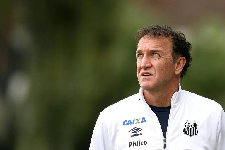 O técnico Cuca ainda não venceu no comando do Santos