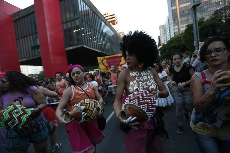 Mulheres realizam o ato 'Todas contra PEC 181', em São Paulo