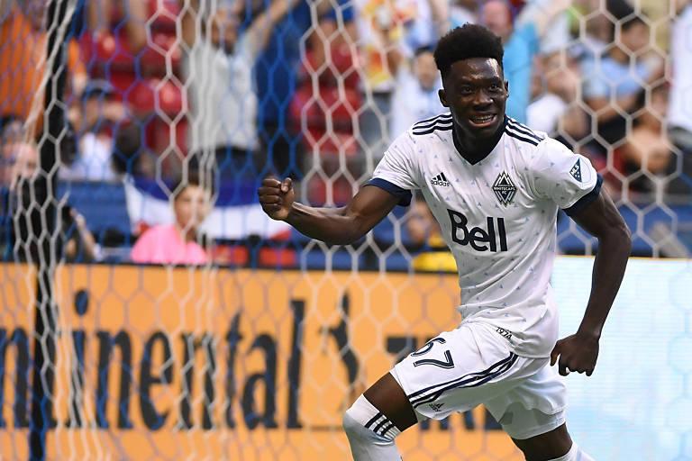 Alphonso Davies comemora gol pelo Vancouver Whitecaps, time que defendeu no Canadá