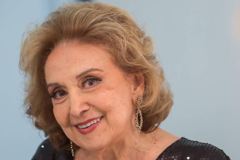 "Eva Wilma nos bastidores do show Ò Crise, que crise?"" no Teatro J. Safra"