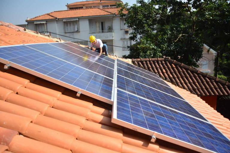 Veja qual é a polêmica da produção de energia em casa