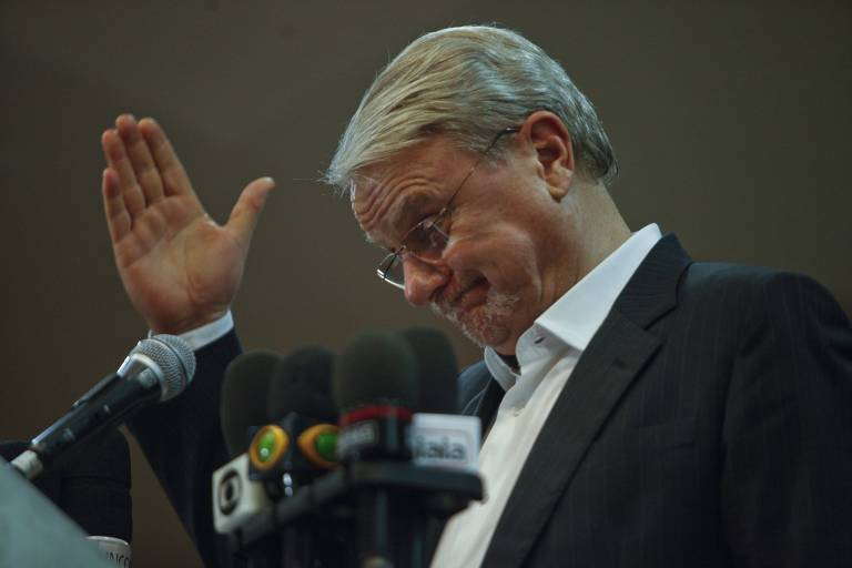 Márcio Lacerda resiste ao acordo do PSB para retirar a candidatura ao governo mineiro