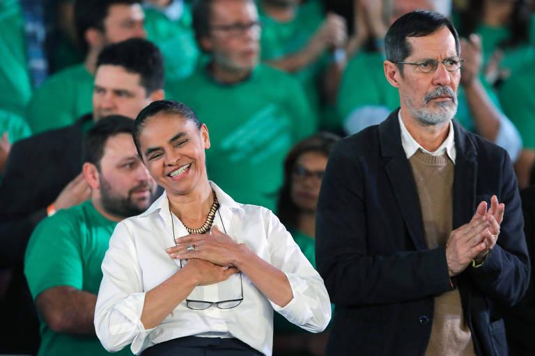 A candidata Marina Silva faz discurso ao lado de seu vice Eduardo Jorge, durante a convenção da Rede