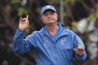 Com receita antiga, Scolari tenta repetir sucesso na Libertadores