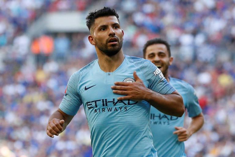 Aguero comemora gol do Manchester City sobre o Chelsea