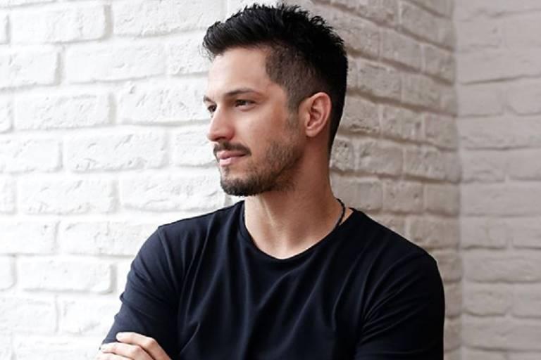 O ator Romulo Estrela