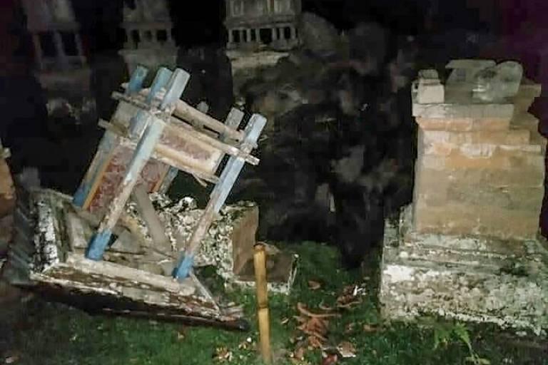 Destroços do templo