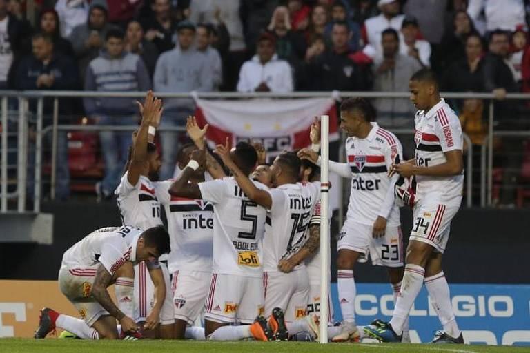 São Paulo vence o Vasco no Morumbi e é o novo líder do Brasileiro