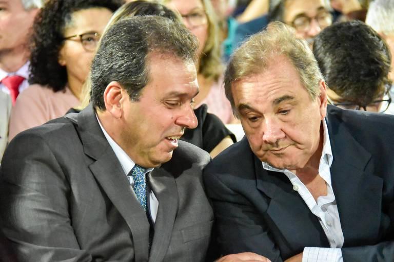 Carlos Eduardo (esq.) e José Agripino em cerimônia em Natal (RN)