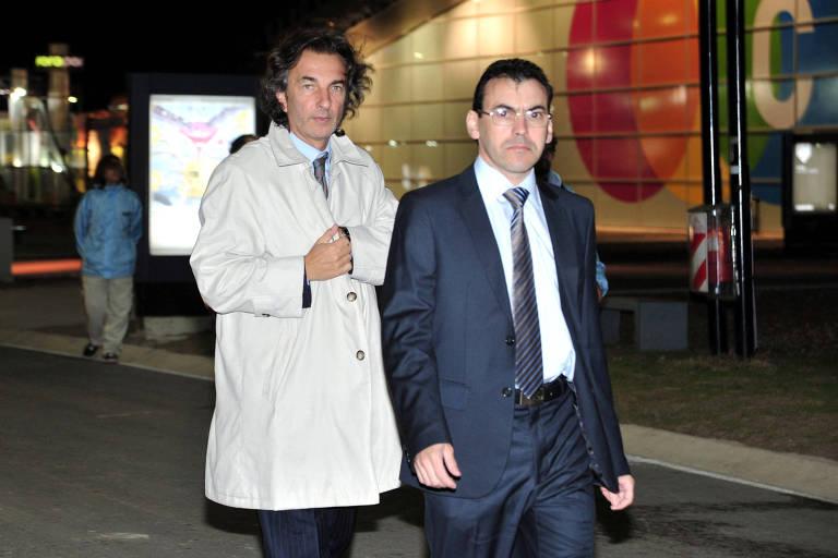 Ángelo Calcaterra (à esq.), primo de Macri e ex-dono de empreiteira, durante evento em Buenos Aires em 2012