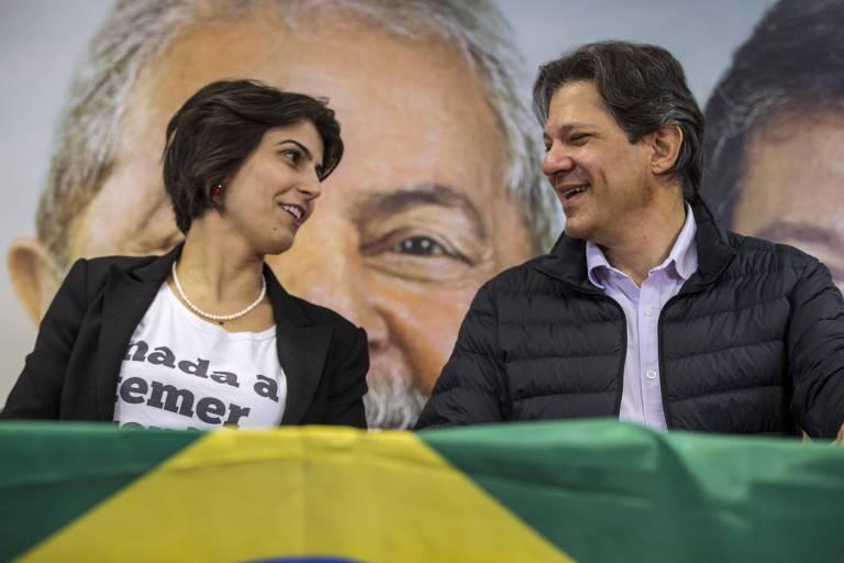 Manuela D'Avila e Fernando Haddad, na primeira entrevista coletiva juntos, nesta terça (7), em São Paulo