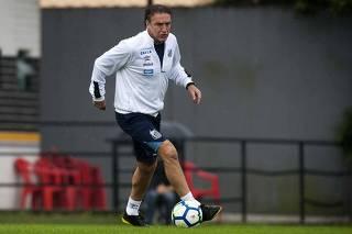 Santos sofre, mas arranca empate do Ceará e deixa a zona de rebaixamento