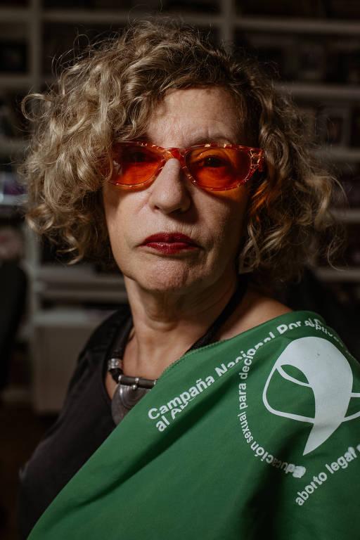 Argentinas dizem por que são a favor ou contra a legalização do aborto