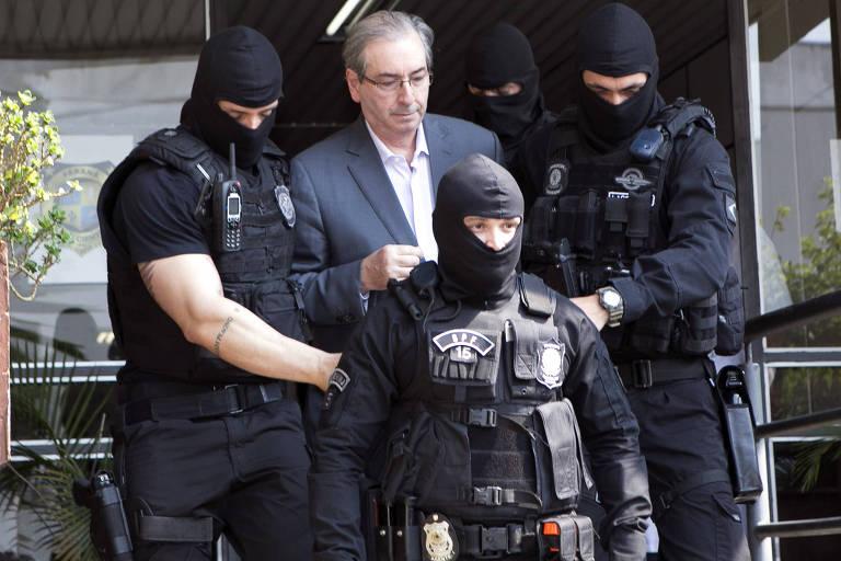 Eduardo Cunha passou um tempo em cela que foi reservada para Lula no CMP