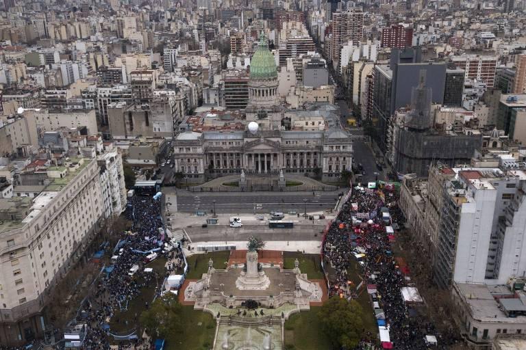 Mulheres protestam na América Latina pela despenalização do aborto