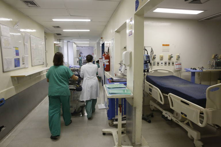 corredor de hospital