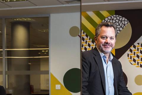 SAO PAULO, SP, 06.08.2018, 14h: Retrato de Bill McGlashan, um dos fundadores e CEO do The Rise Fund, fundo global que se dedica a alcançar resultados sociais e ambientais mensuráveis e positivos, além de retornos financeiros competitivos, chamados de retornos completos. (Foto: Rafael Roncato/Folhapress, EMPREENDEDOR SOCIAL) ***EXCLUSIVO FOLHA***