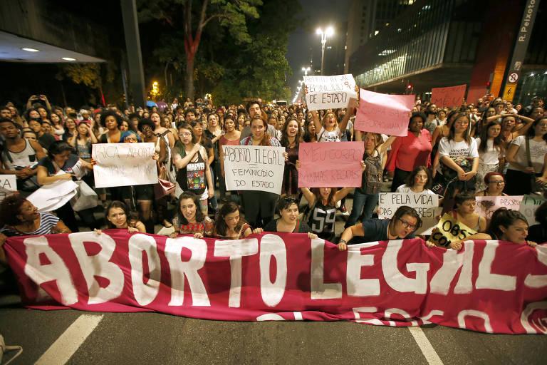 Mulheres fazem manifesto pela legalização do aborto em São Paulo