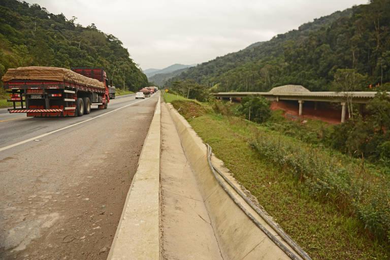 Juiz manda concessionária retomar operação da rodovia Freeway, no RS