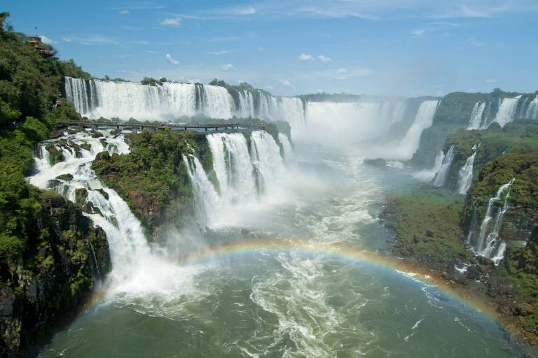 Dentro das cataratas de Foz do Iguaçu