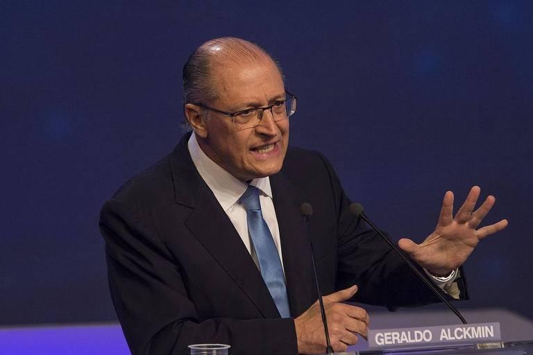 Geraldo Alckmin gesticulando