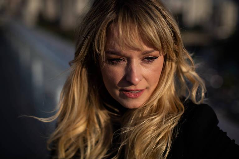 'Se o ator não está na novela, falam que está sumido', diz Luciana Vendramini